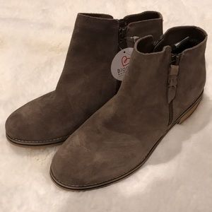 Blondo Waterproof Bootie, NWT